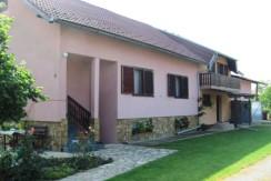 Zdenci Brdovečki – obiteljska kuća sa dva odvojena stana na okućnici od 1112 m2 – 119.000,00 €