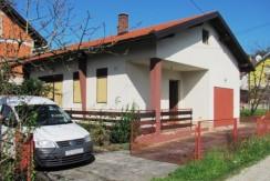 Brdovec – obiteljska kuća 80 m2 na okućnici od 719 m2 – 62.000,00 €- NOVA  CIJENA – .