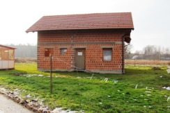Jakovlje samostojeća kuća na okućnici od 1030 m2-GBP 180,00 m2- 44.000,00 € -ROH BAU