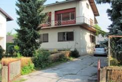 Zdenci Brdovečki – kuća sa garažom, gospodarskim objektom i pomoćna zgrada na okućnici od 3424 m2 79.000,00 €