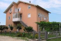 Donja Bistra – obiteljska kuća 350,00 m2  na okućnici od 629 m2 – 179.000,00 €