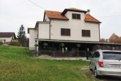 Pojatno – samostojeća kuća sa garažom i gospodarskim objektom – 49.000,00 €