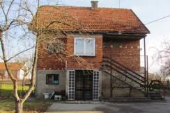 Kupljenovo – kuća sa pomoćnom zgradom na okućnici od 1385 m2- 65.000,00 €