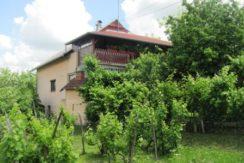 Prigorje Brdovečko- obiteljska kuća 389,81 m2 na okućnici od 1939 m2- 69.000,00 €