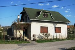 Oroslavje kuća 199 m2 na okućnici od 1093 m2 79.000,00 €