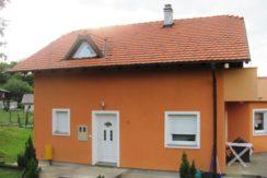 Pušća – Žlebec Pušćanski kuća 125 m2 na okućnici od 1032 m2- 104.000,00 € NOVIJA GRADNJA