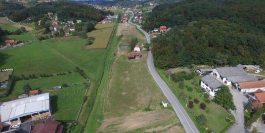 Donja Pušća – zemljište  sa starom kućom na okućnici od 25.000 m2 – 850.000 €