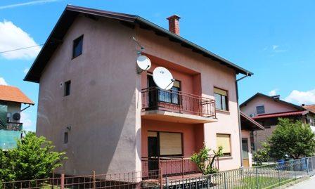 Zaprešić – kuća sa garažom – 267,91 m2 na okućnici os 565 m2- 129.000,00 €