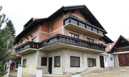 Kuća: Vrtnjakovec, visoka prizemnica, 636 m2 na okucnici od 1471.m2 – 350.000 € (prodaja)