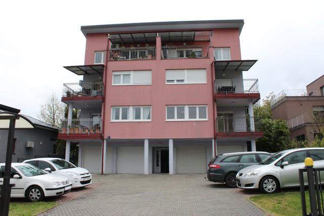 Stan: Zagreb (Stenjevec), 119.00 m2,V.Prizemlje sa vrtom i sjenicom!! Nova Cijena!!
