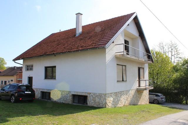 Kuća: Šibice, v. prizemnica-tlocrtna površina 109.91 m2(ukupna izgrađena brutto površina 285 m2 – na okućnici od 527 m2 (prodaja)